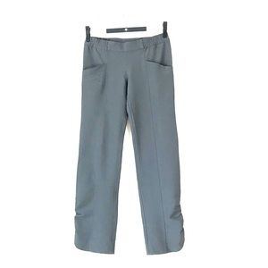 Columbia cropped grey pants